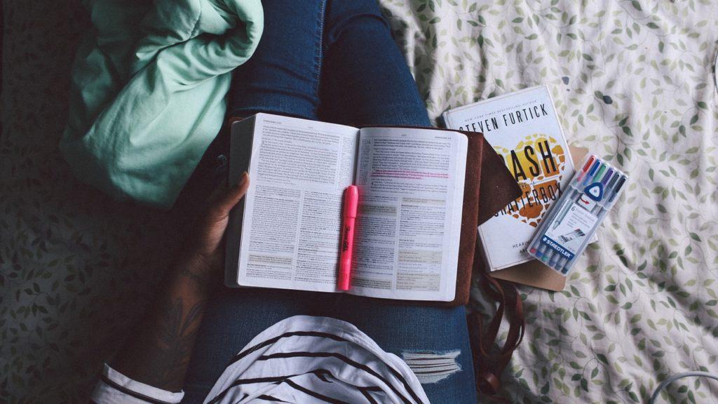 Фриланс для студентов: как заработать на несложных поручениях